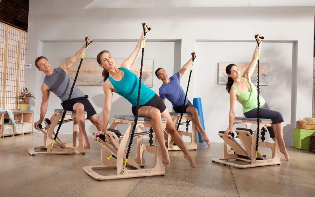 Pilates w grupie a indywidualny