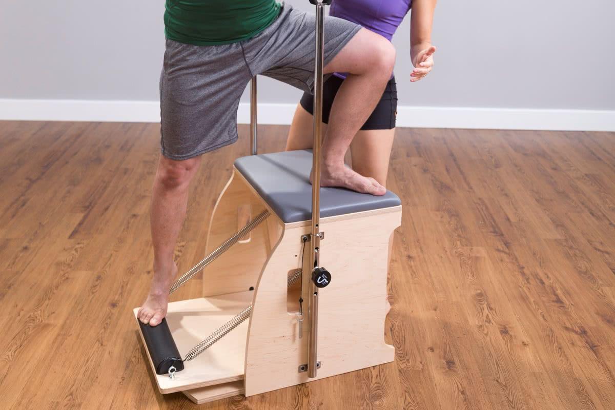 Krzesło Balanced Body Pilates Wunda Chair w użyciu
